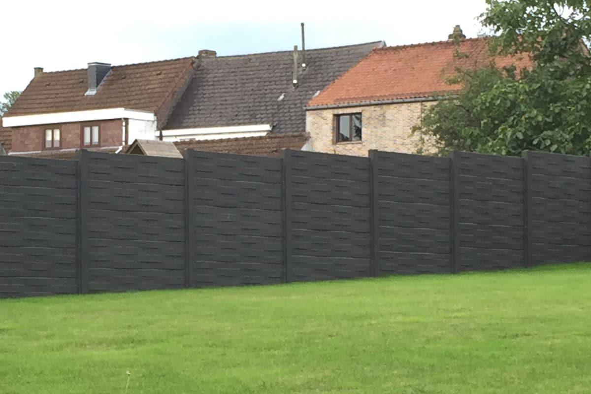 Betonnen afsluiting plaatsen mogelijkheden prijzen for Moderne afsluiting tuin